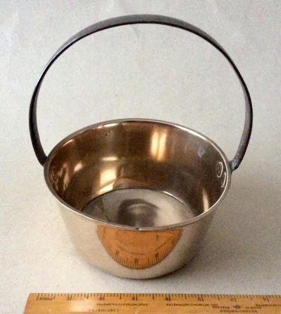 Antique small fixed handle brass jam pan 6inch diameter.