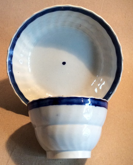 Pearlware teabowl and saucer