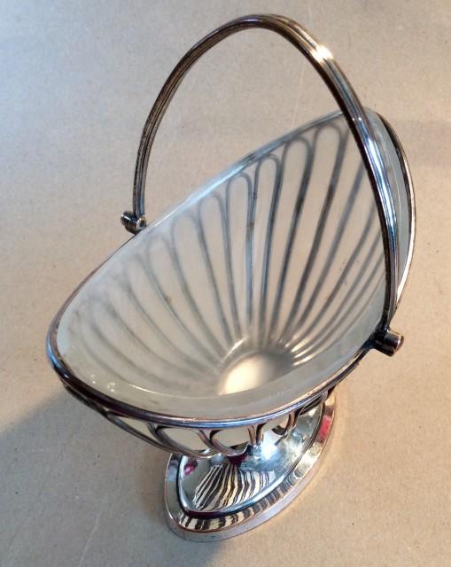 Early 19C Sheffield plate sugar basket or Bon Bon dish