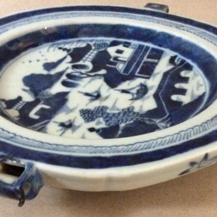 Detail: Chinese Canton b/w octagonal food warming hot water plate.